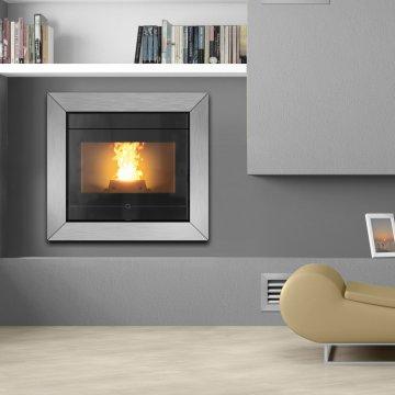 Designový interiérový teplovodní kotel na pelety Thermorossi Insert Line idra 15